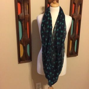 Accessories - Infinity scarf- palm tree/ navy blue